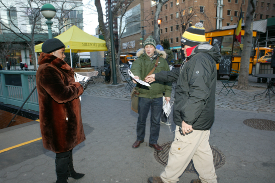 Teachers from across Manhattan braved the frigid weather to hand out leaflets at the Lincoln Center Subway station. (Bruce Cotler)