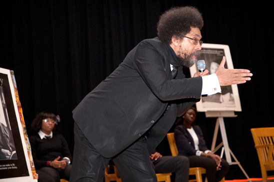 Special deliveries: Harlem school's librarian brings role models to students thr