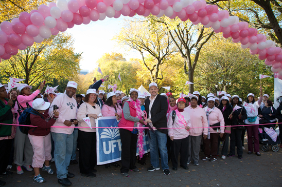 UFT members in Central Park are on their marks as President Michael Mulgrew and union Strides Coordinator Servia Silva prepare to cut the ribbon to start the walk. (Pat Arnow)