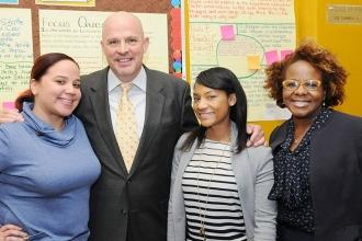 Mulgrew and Janella Hinds (right), the UFT vice president for academic high scho