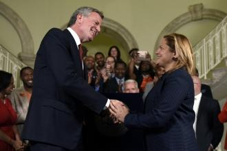 Bill de Blasio and Melissa Mark-Viverito reach handshake deal on budget